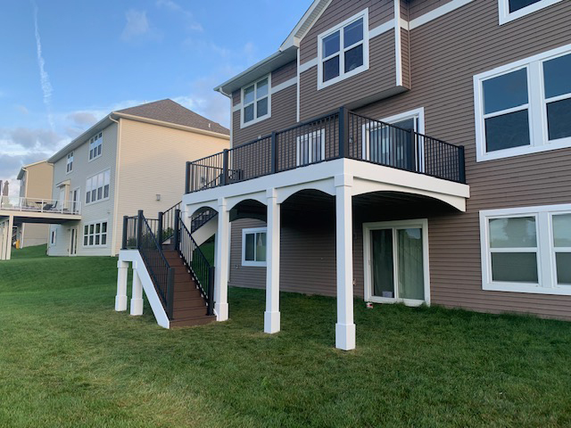 Deck, Porch and Outdoor Living construction, refurbishing and remodelling services from Driftwood Builders.